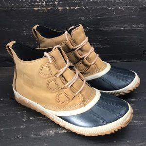 Sorel Out N About Duck Boots Size 6.5